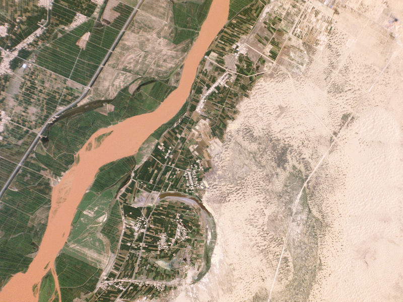 Desertification_Control_Project,_Ningxia_China_-_Planet_Labs_satellite_image